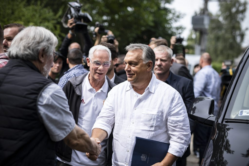PM Orbán Shows the Way for the Right in Kötcse Private Meeting post's picture