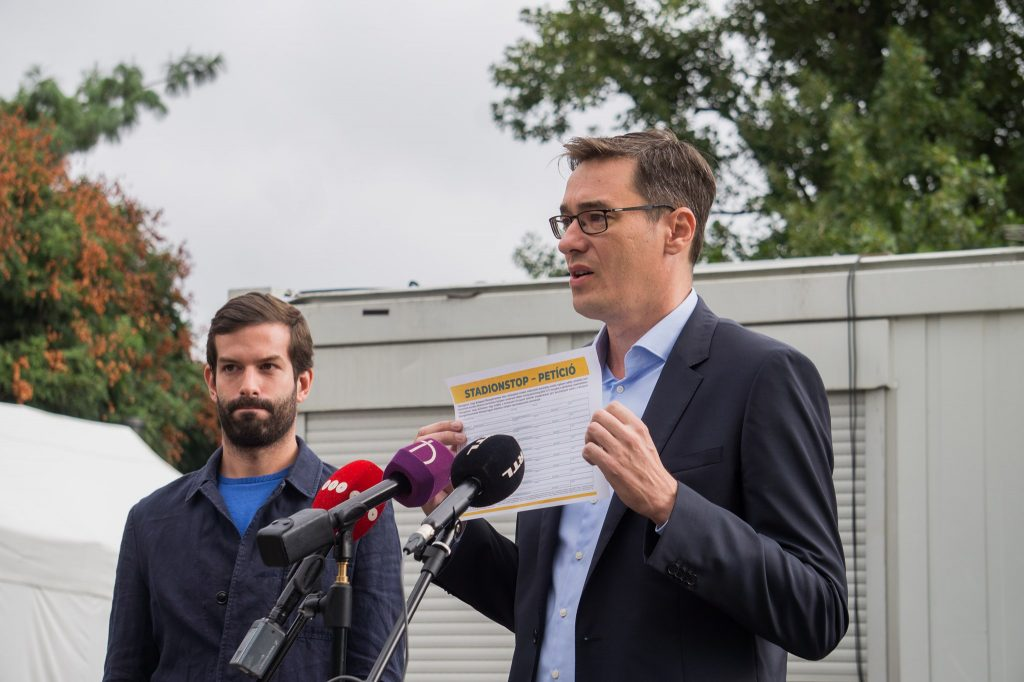 Budapest Mayoral Candidate Karácsony Calls for the Resignation of Minister post's picture