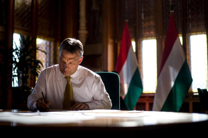 Orbán: Hungarians Will Never Forget US President Who Sent Back Holy Crown post's picture