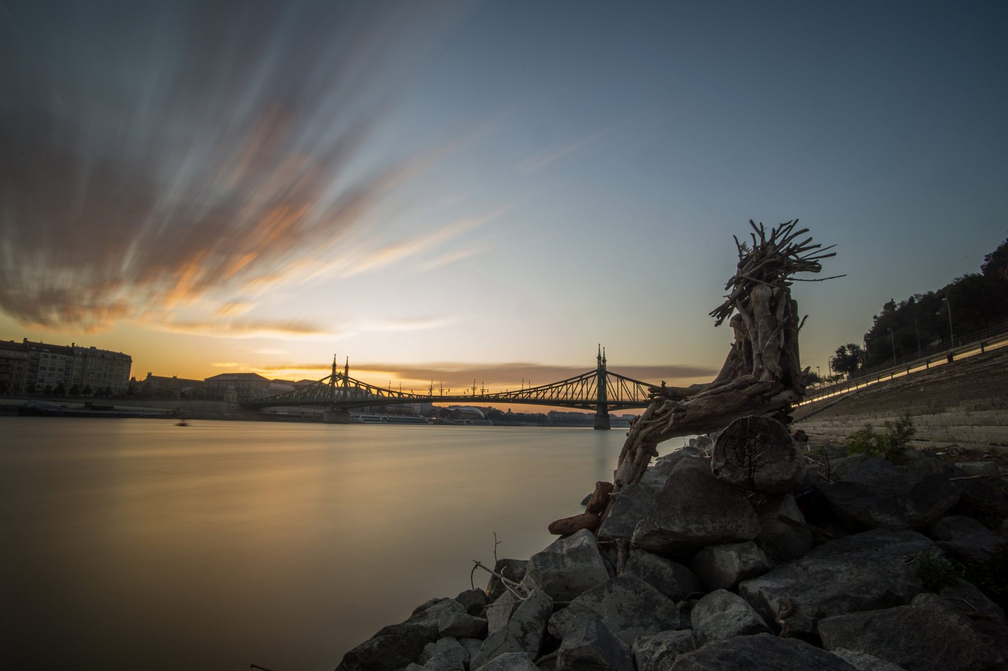 Guerrilla Statue Made of Driftwood Appears in Budapest post's picture