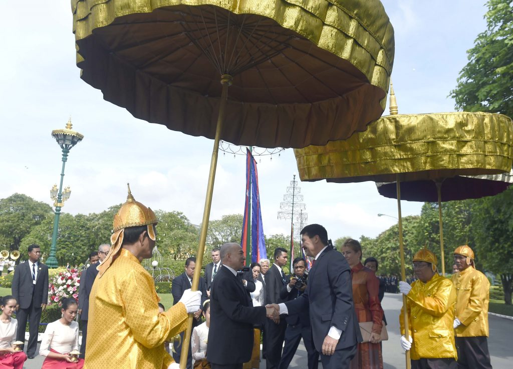 Áder: Hungary, Cambodia to Open Embassies in Each Other's Capital Cities post's picture