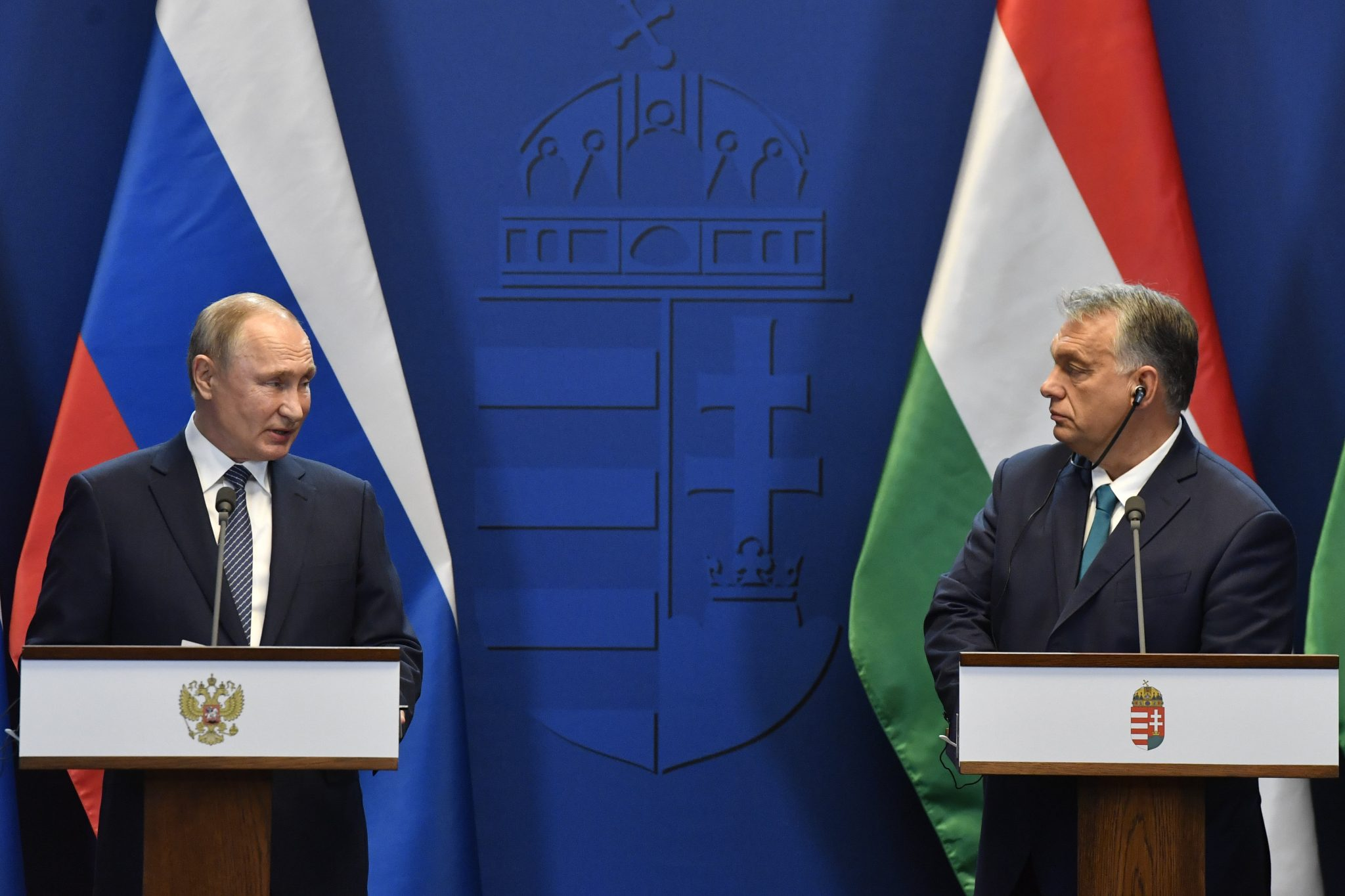 PMO Head on Russia Ties: Hungary Entirely Dependent on Russian Gas post's picture