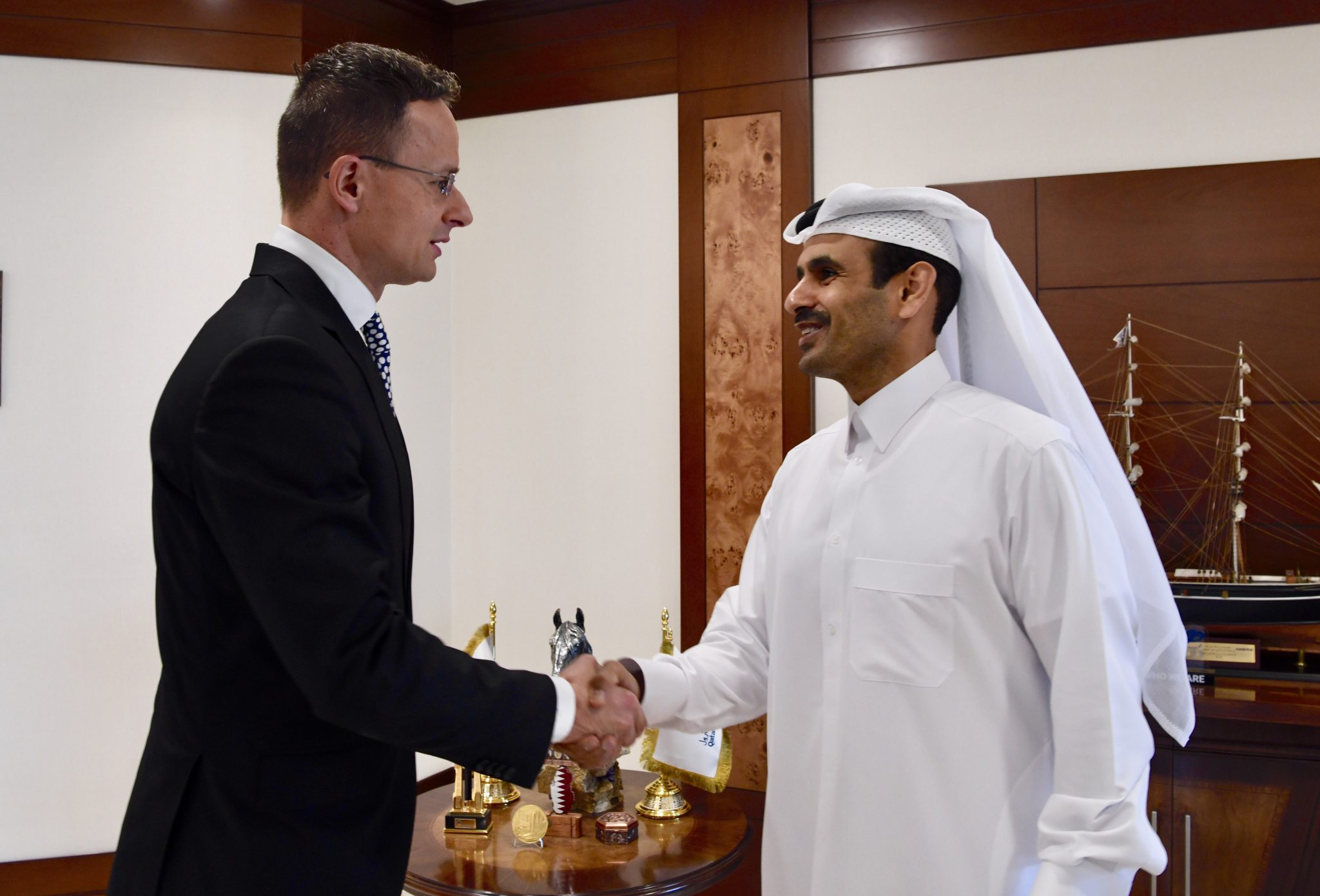 Szijjártó: Hungary Can Tap New Infrastructure to Buy LNG from Qatar post's picture