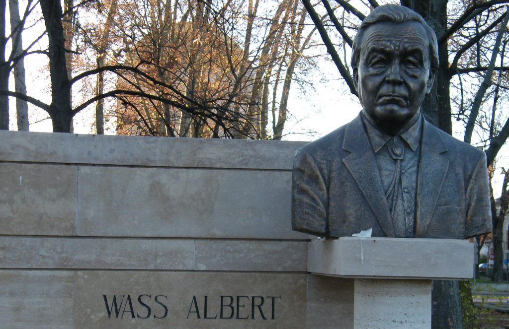 Huge Debate Stirs around Writer Albert Wass Yet Again post's picture