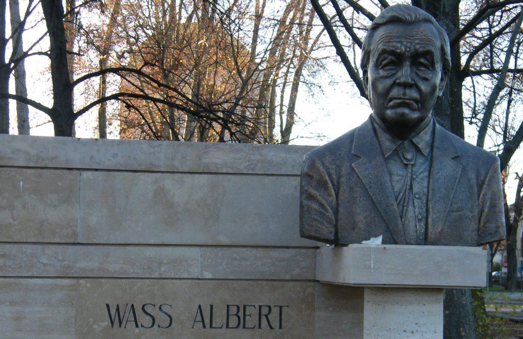 Huge Debate Stirs around Writer Albert Wass Yet Again post's picture