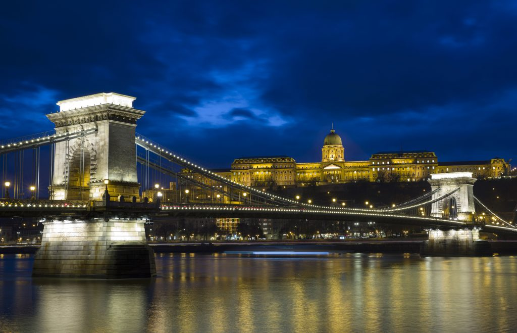 State Secretary for Budapest Calls for Urgent Renovation of Chain Bridge post's picture