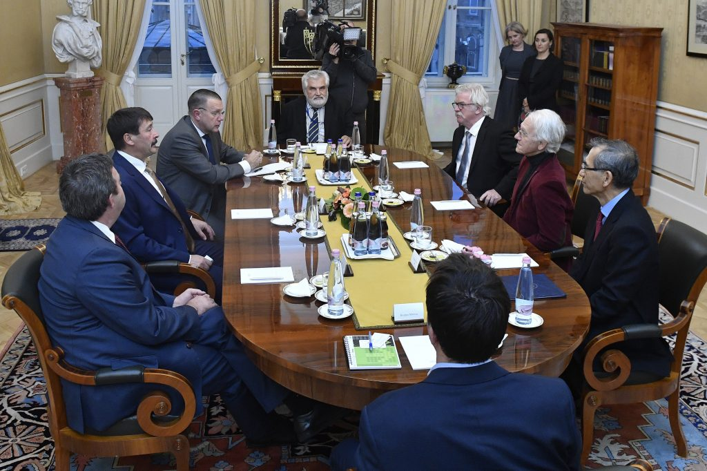 President Áder Meets Top International Physicists post's picture