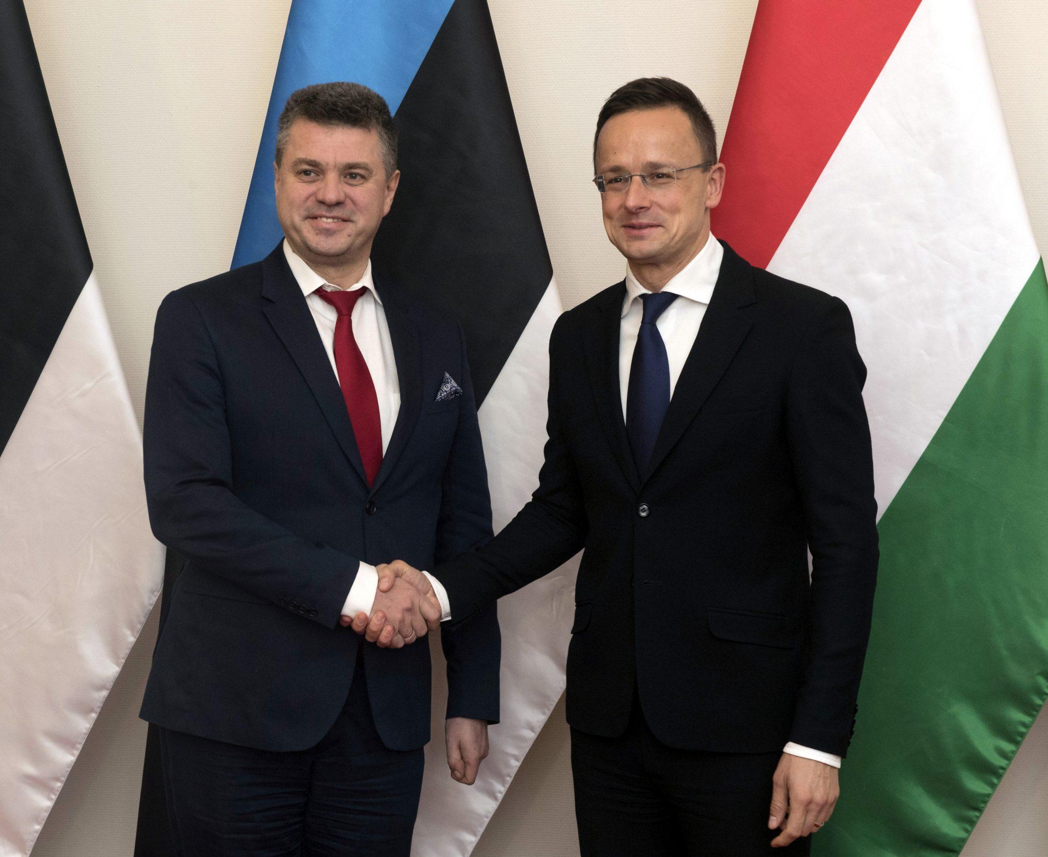 Szijjártó: Estonia, Hungary Find UN Migration Pack 'Dangerous' post's picture