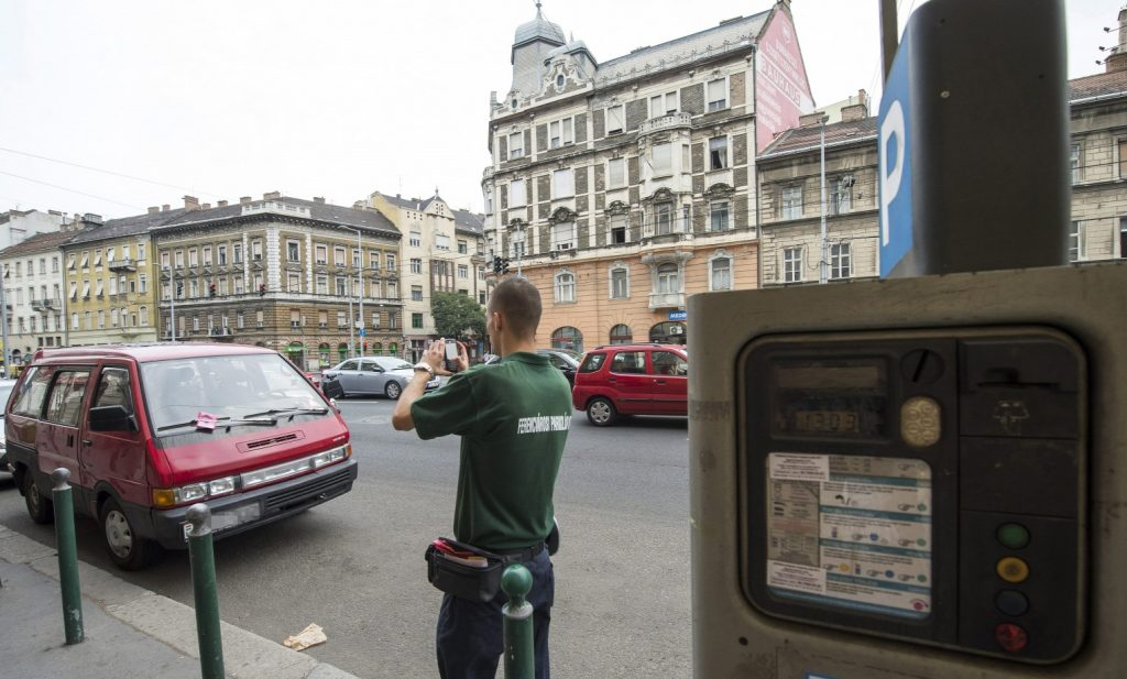 Mayor Karácsony Proposes Progressive Parking Fee System for Downtown Budapest post's picture