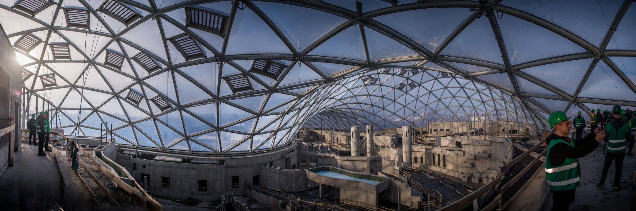 Gov't Commissioner Blames Zoo Director for Risk of Biodome Incompletion post's picture