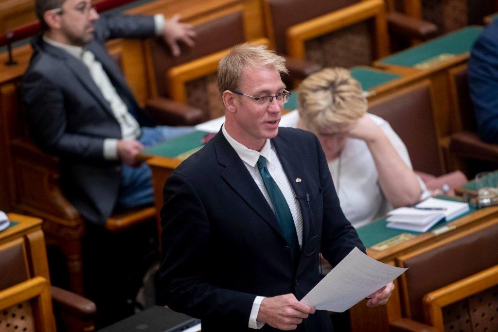 Jobbik Slams Gov't over 'Wasteful' Spending on Sports Funding post's picture