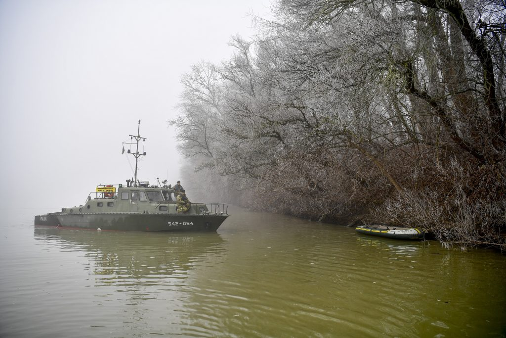 Illegal Migration: Army Boat to Patrol Tisza post's picture