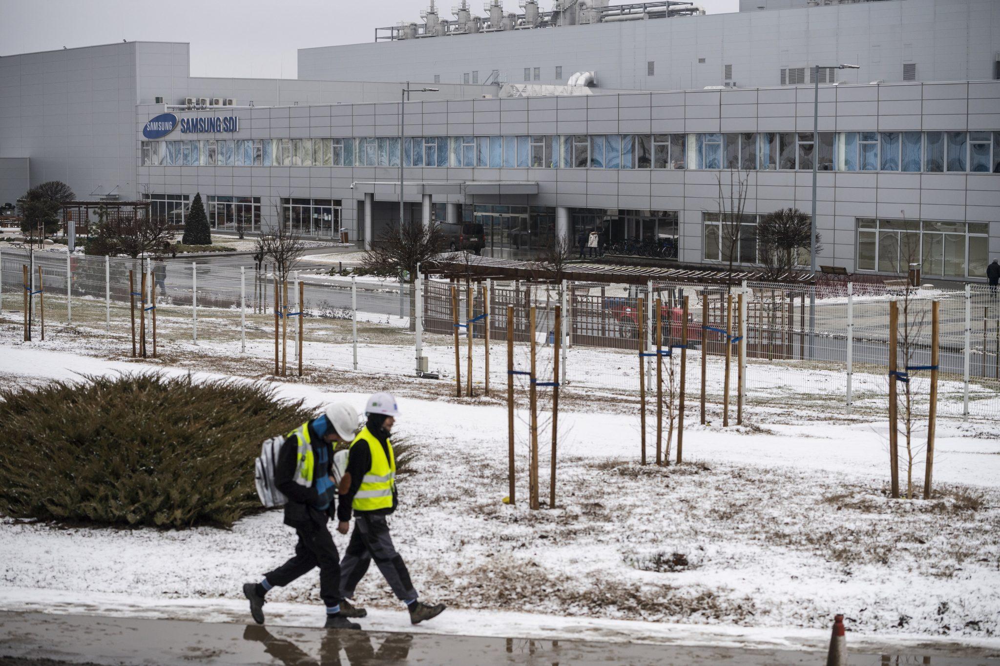 Coronavirus: Samsung Factory in Hungary Screening Chinese Employees post's picture