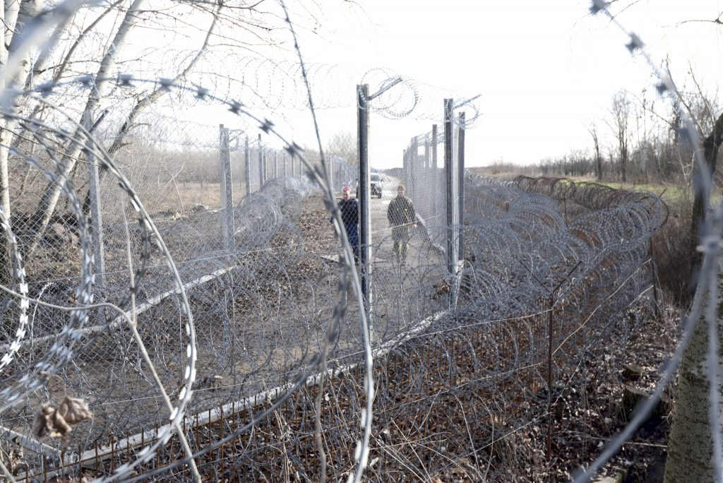 Number of Soldiers Protecting Border to be Doubled after Attempted Break-through at Röszke post's picture