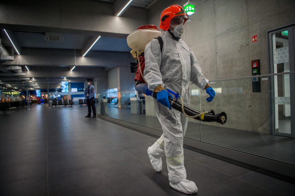 Coronavirus: Nearly 900 Passengers Screened at Budapest Airport So Far post's picture
