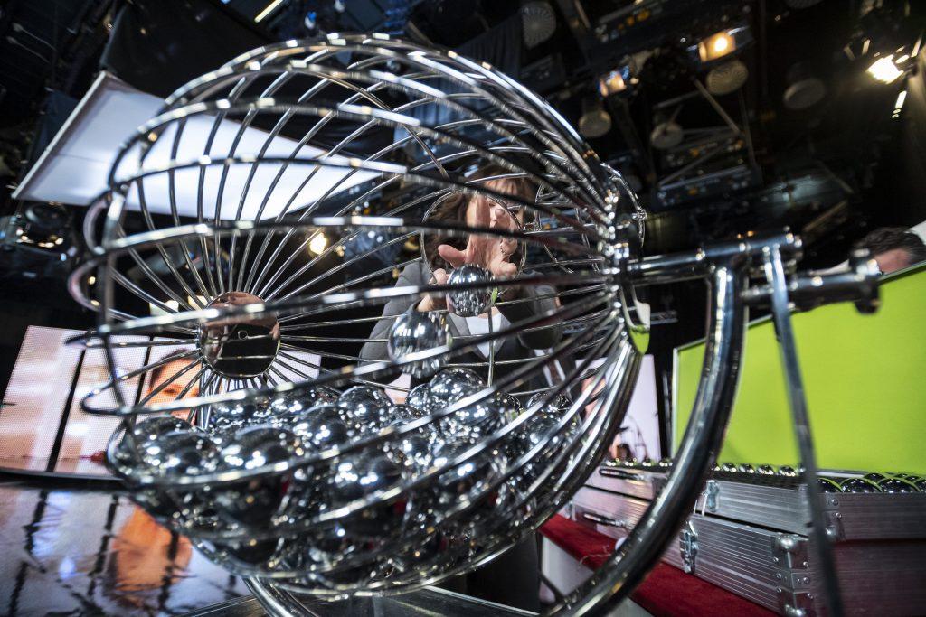 Lottery Craze: Hungary's Ötöslottó Hits Largest Ever Amount with HUF 5,252 Billion post's picture