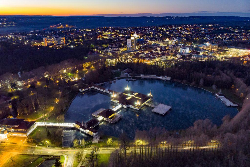 Popular Tourist Destination Spa Town Hévíz Registers 1,200,000 Guest Nights Last Year post's picture