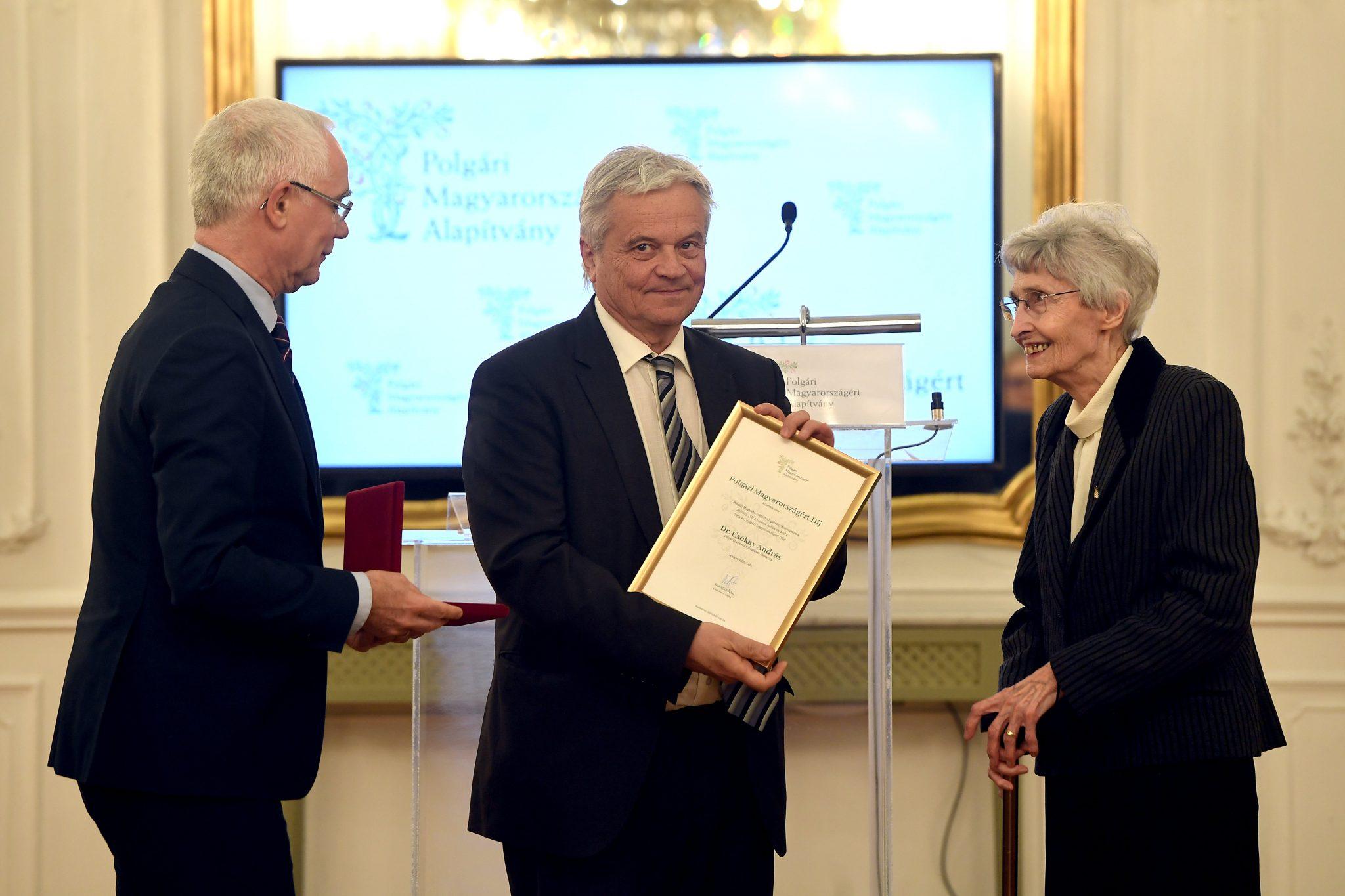 András Csókay Neurosurgeon Receives Award for Civic Hungary