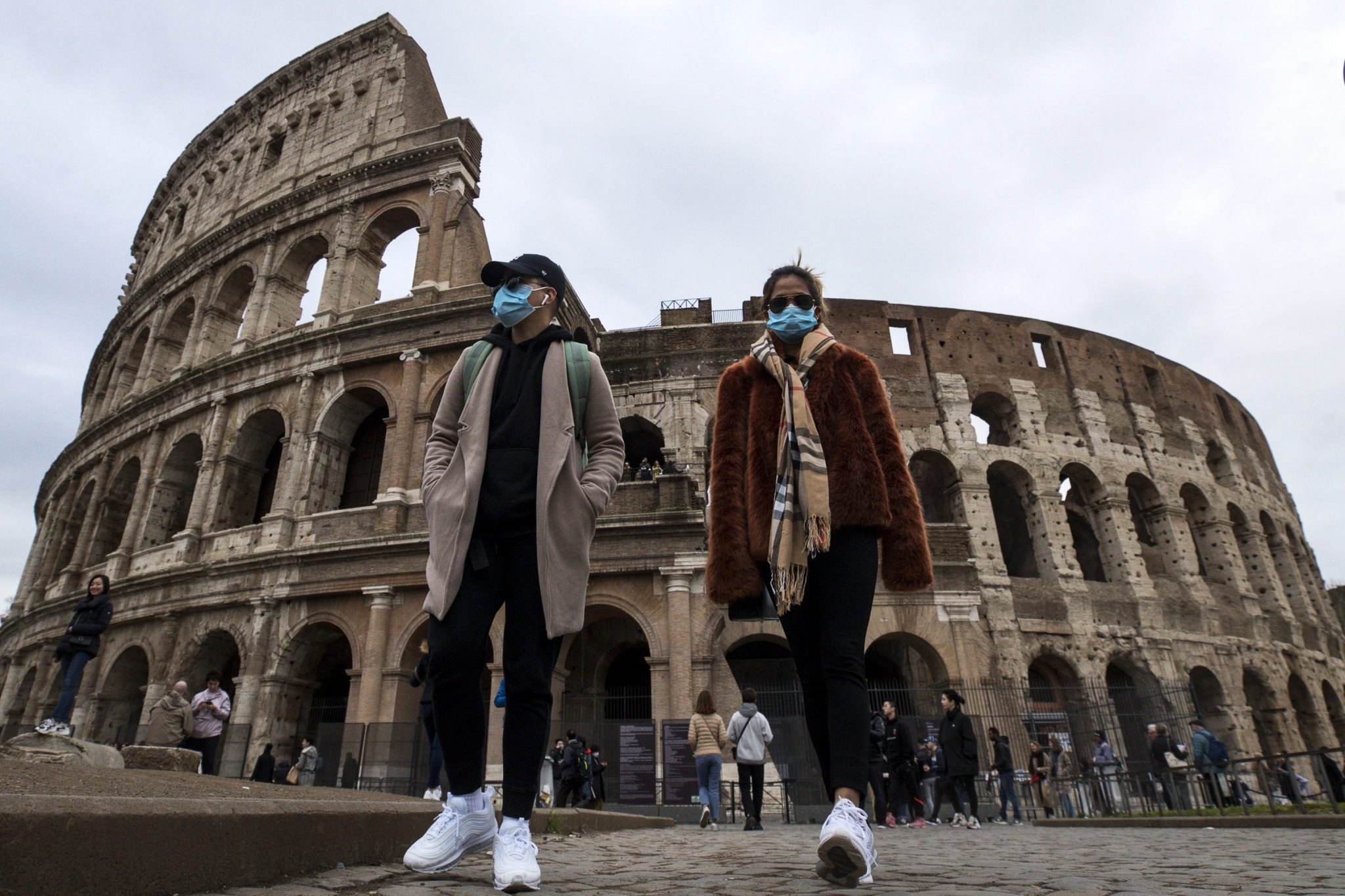 Coronavirus: Hungarian Students Back from Italy Quarantined, Airport Screening Arrivals from Italy post's picture