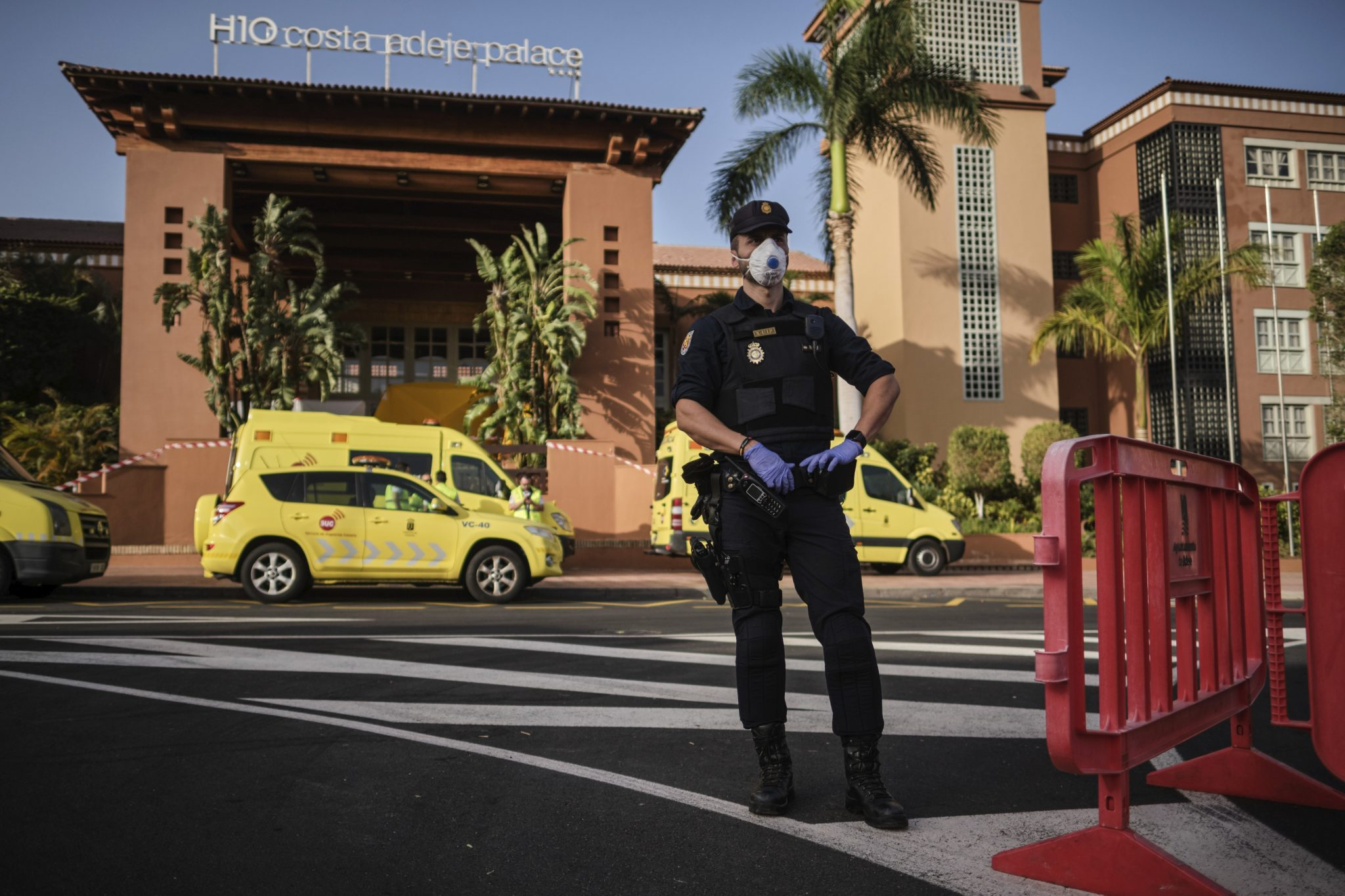Hungarians Quarantined in Tenerife Virus-hit Hotel May Come Home Soon post's picture