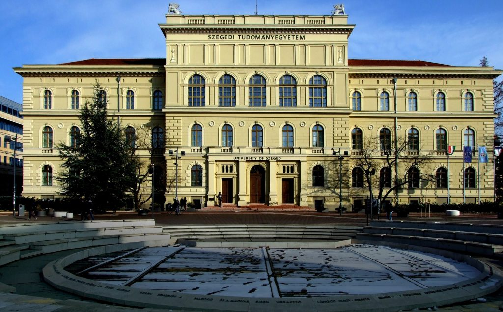 Coronavirus: Szeged University Rector Neglects Home Quarantine, Operates, then Tests Positive post's picture