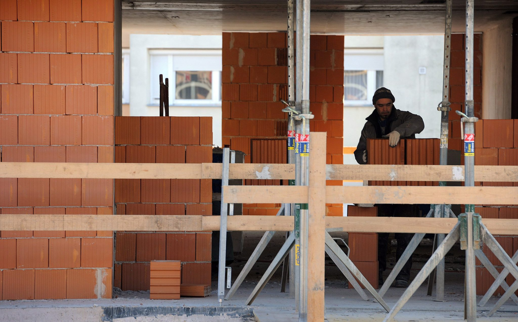 Increase of Housing Prices Higher Than Net Wage Hike post's picture