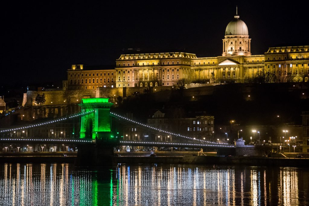 Budapest Will Switch off Flood Lights to Mark Earth Hour 2021 post's picture