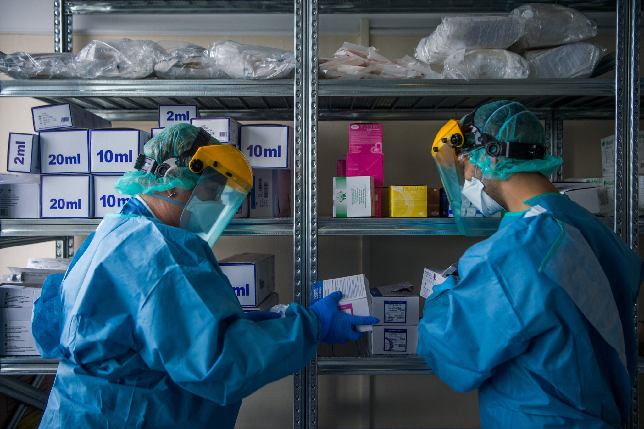 Hungary Preparing for Mass Coronavirus Infections with Temporary Hospitals, Pre-screening Tents post's picture