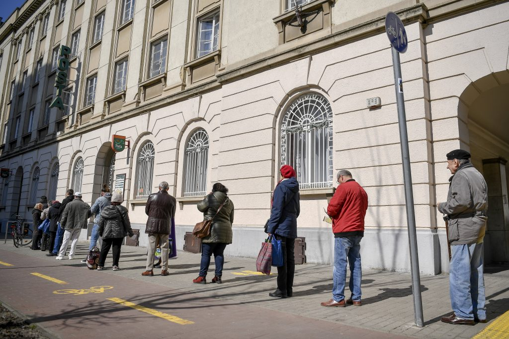 Almost One-fifth of Hungarians Switch to E-billing Because of Pandemic post's picture