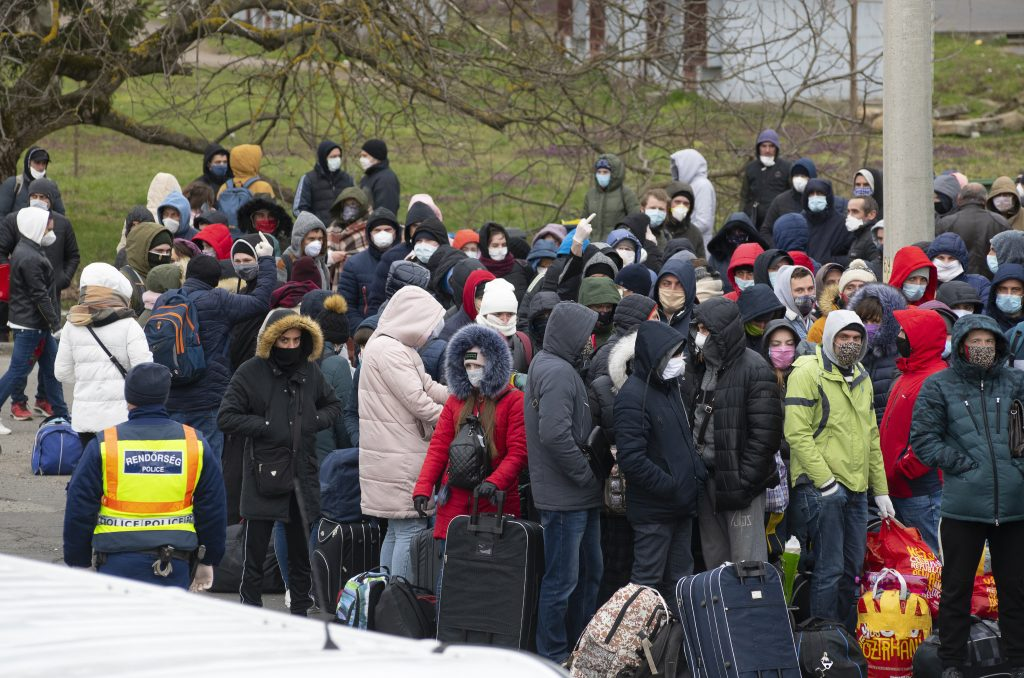 Foreign Workers in Hungary: With Coronavirus Arriving, Most of Them Shown the Door post's picture