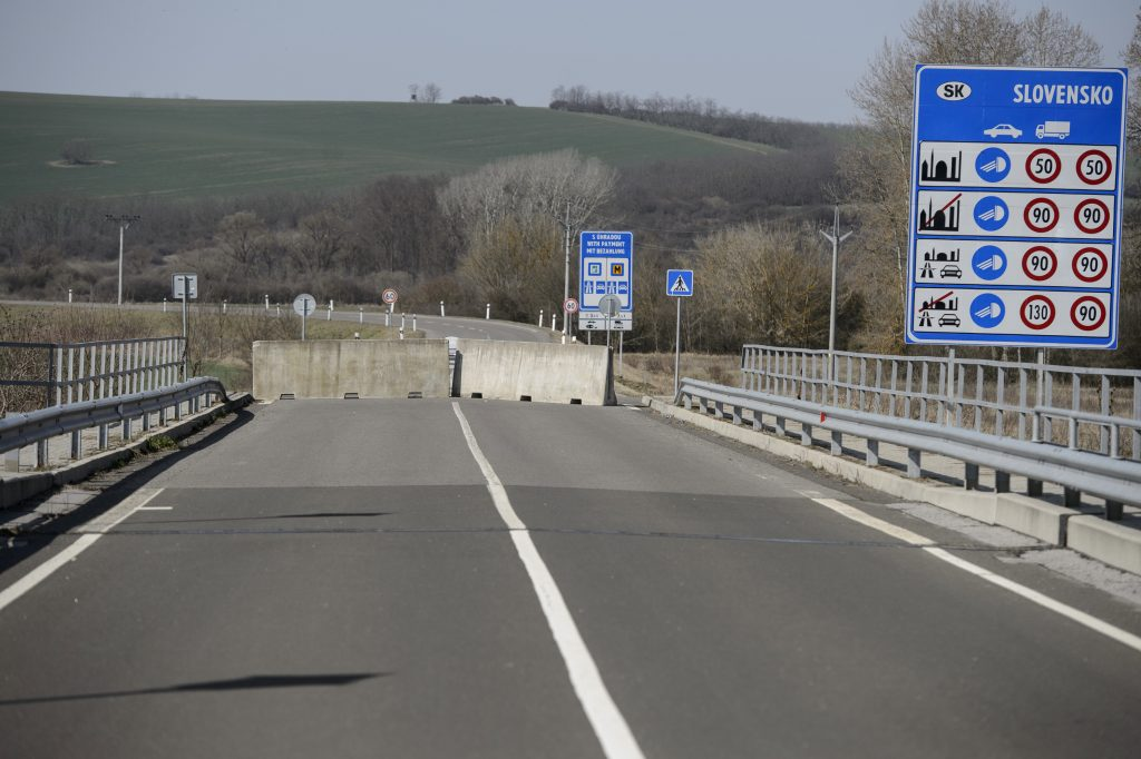 Hungarian Press Roundup: Gov't Introduces Border Restrictions post's picture