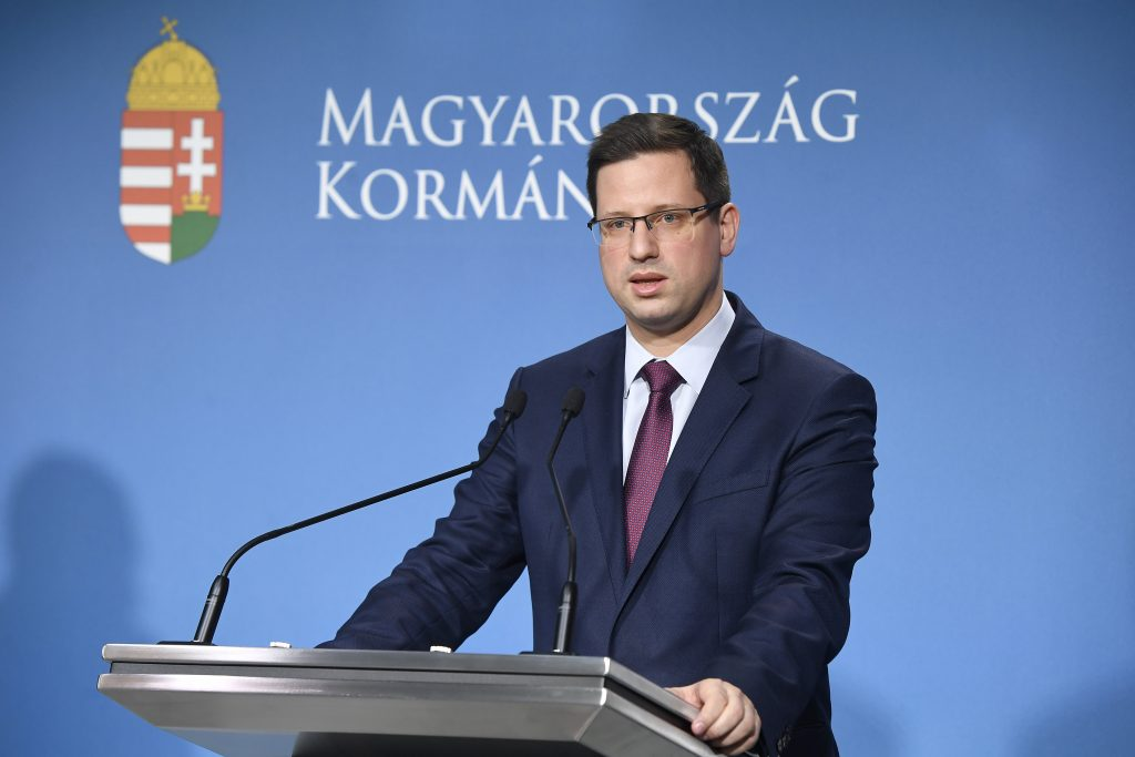 PMO Head Gulyás: Gov't to Launch Coronavirus Vaccination Campaign post's picture