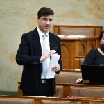 Coronavirus: Jobbik Demands Continued Free Screening for Hungarians Returning from Abroad