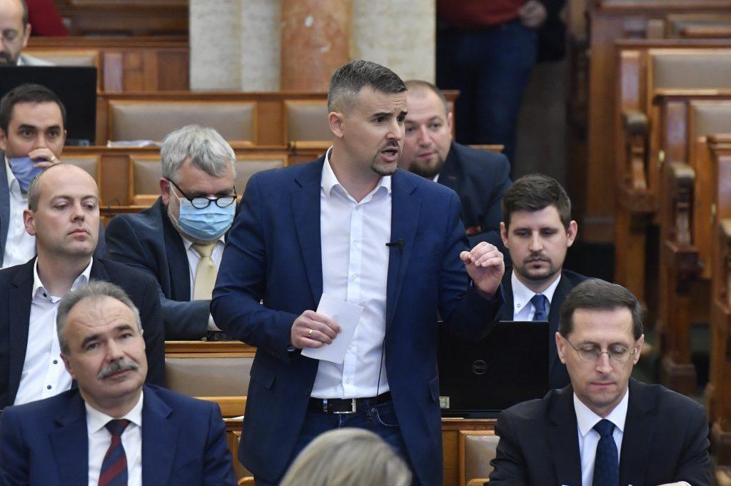 Coronavirus – Jobbik: Gov't Should Convert Hotels into Hospitals instead of 'Emptying' Health Care Institutions post's picture