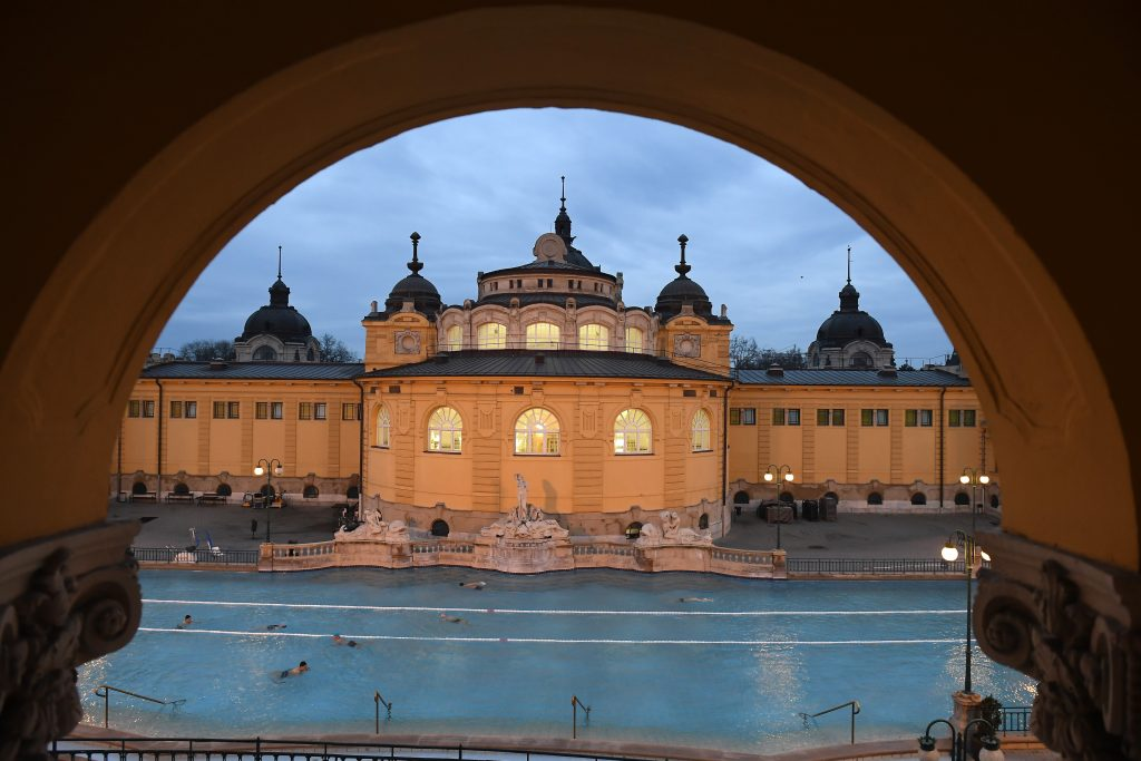Hungary's Baths and Hotels Willing to Reopen Despite Third Wave post's picture