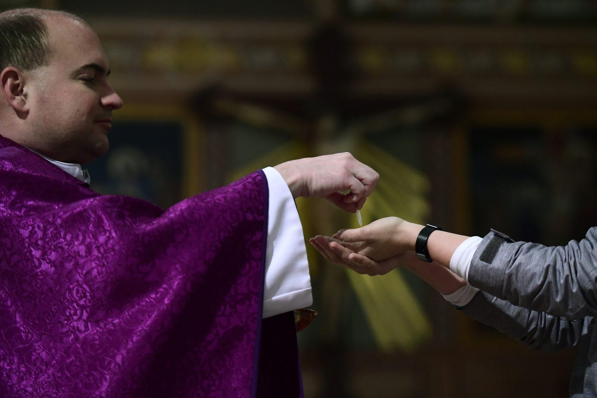 Coronavirus: Sunday Mass 'Again Compulsory' for Catholics from June 14 post's picture