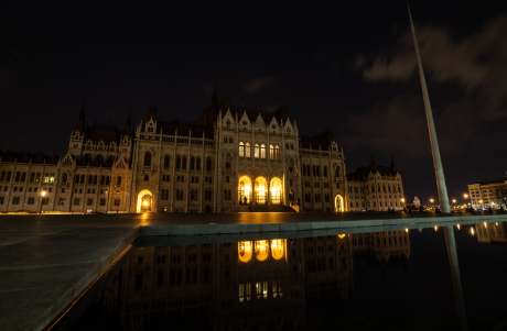 Budapest Switches off Flood Lights to Mark Earth Hour post's picture