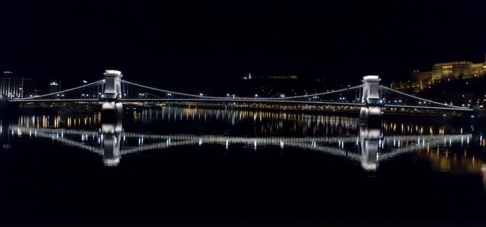 Coronavirus: Chain Bridge Illuminated with White Light in Nod to Healthcare Workers