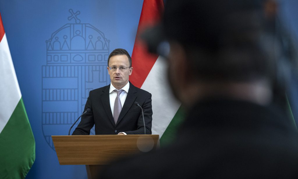 Foreign Minister Szijjártó Warns of 'Growing Migration Threat' post's picture