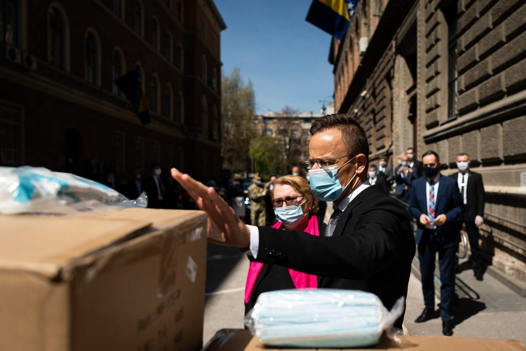 Coronavirus: Hungary Donates Protective Gear to Bosnia post's picture