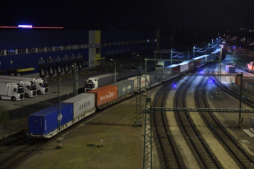 New Freight Rail Line Bypassing Budapest Set to Be Built post's picture