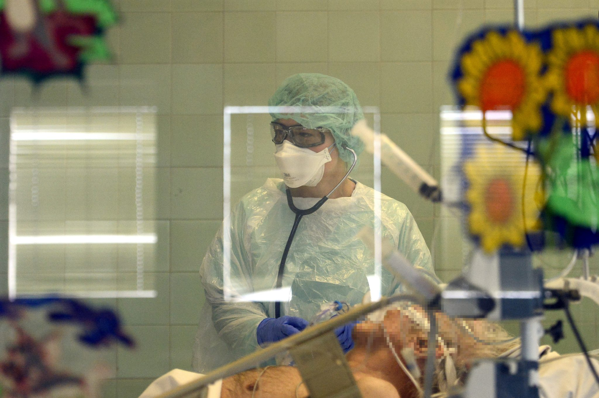 Seven-Year-Old Girl Recovers from Coronavirus after Ventilation post's picture