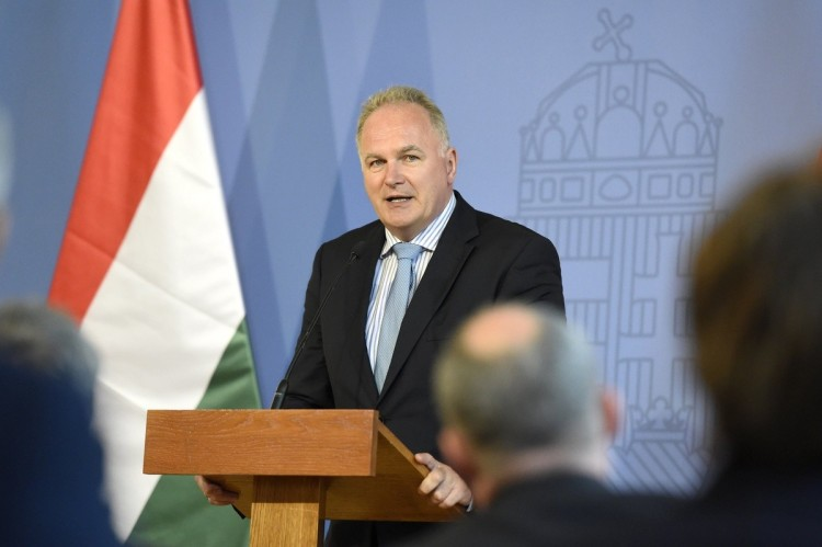 Former Ambassador to US Takes over Pro-Fidesz Media Holding post's picture