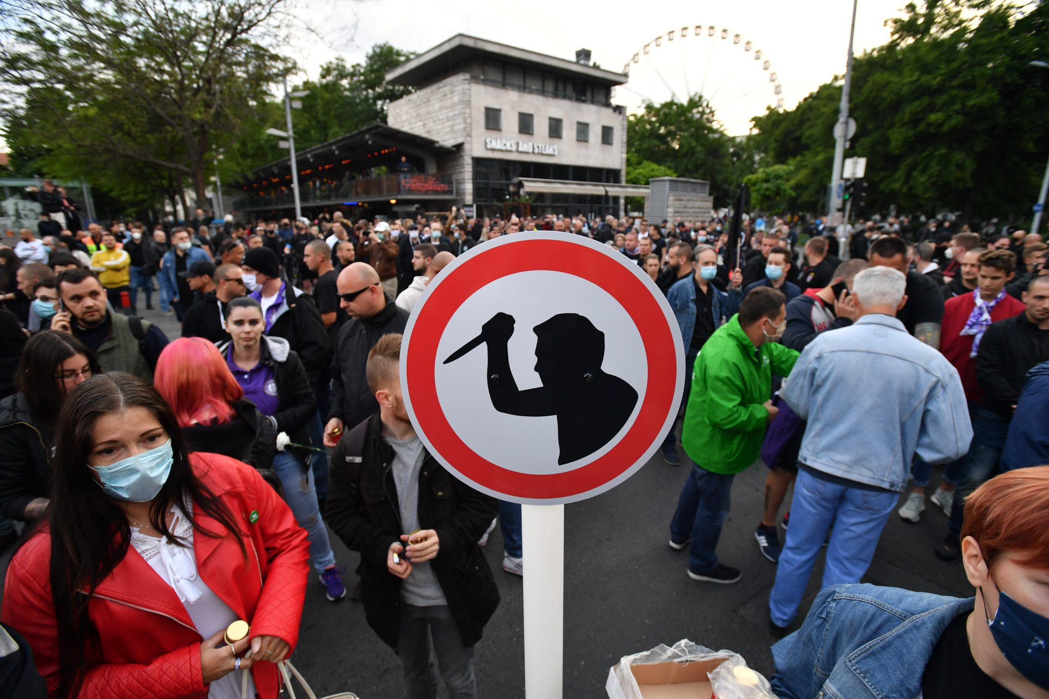 Hungarian Press Roundup: Radical Right-wing Demonstration in Budapest post's picture
