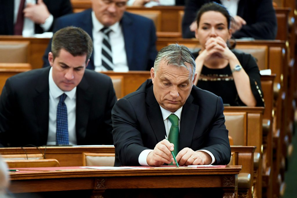 Hungarian Press Roundup: Hungary Downgraded by Freedom House post's picture