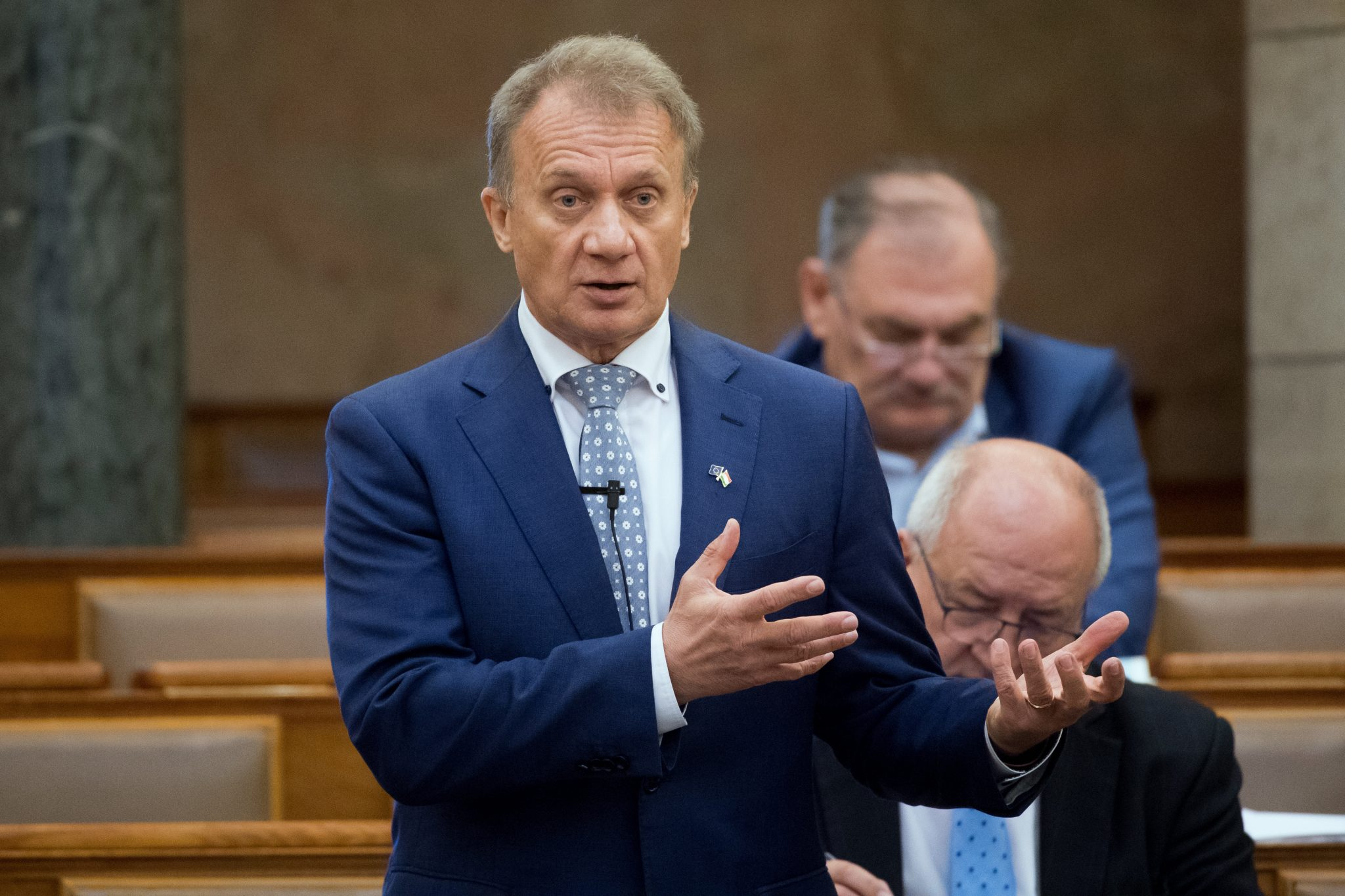 Opposition: 2021 Budget Bill Insufficient to Handle Coronavirus Effects, Benefits Fidesz Circles Instead of Jobseekers post's picture