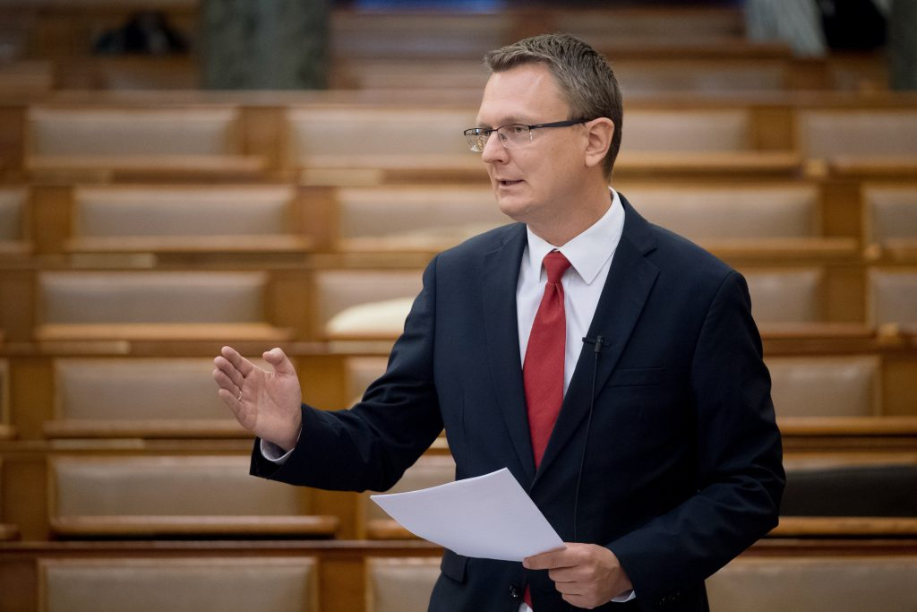 State Secy: Hungary Seven Places Up on Healthy Life Years List post's picture