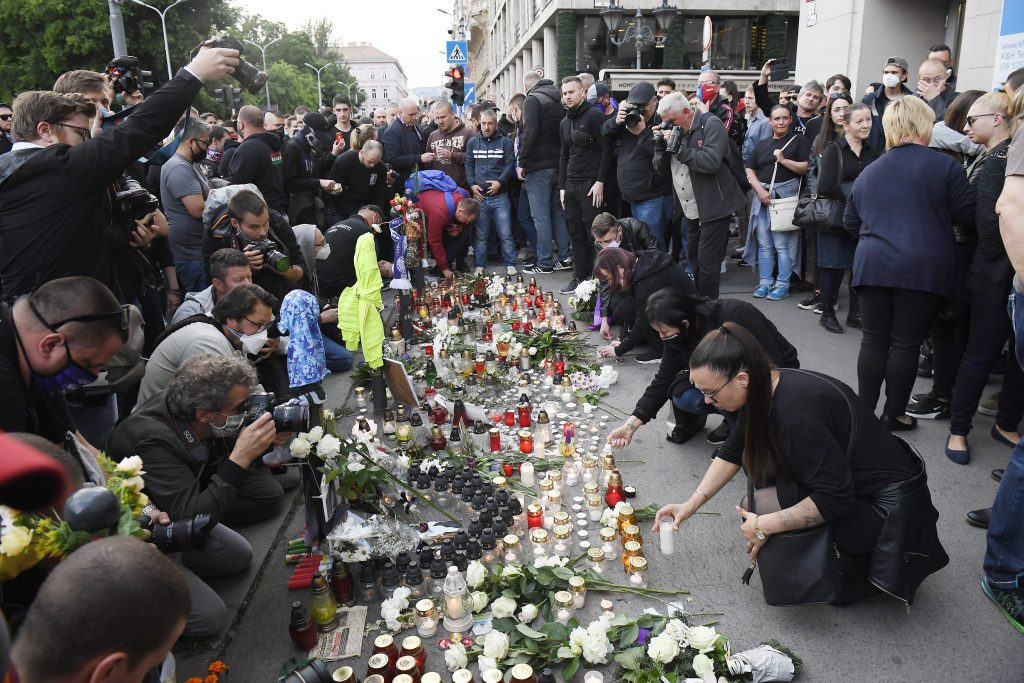 "Interior Ministry on Deák Square Stabbing: ""Memorial Gathering"" Doesn't Fall Under the Assembly Act post's picture"
