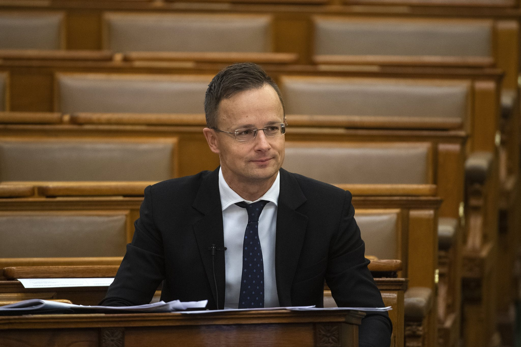 Jobbik Calls on Foreign Minister to Resign after Visiting Football Match Played Behind Closed Doors due to Coronavirus post's picture