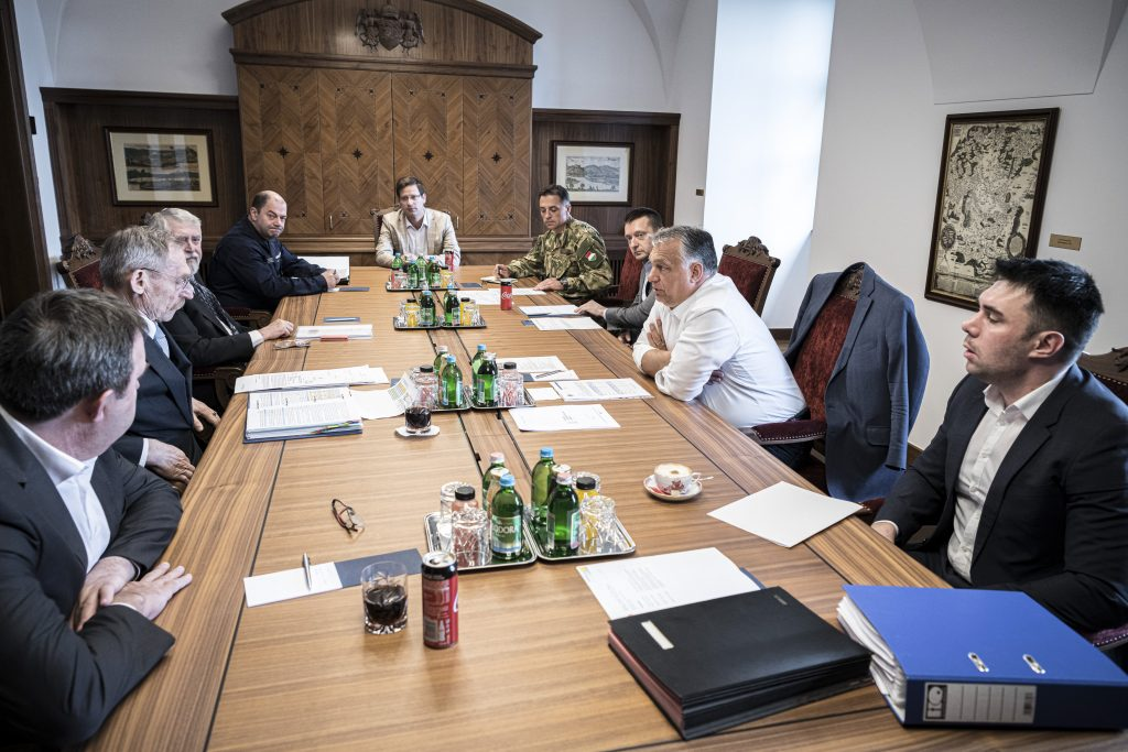 Coronavirus: Orbán Reviews Border Protection Measures with Operative Board post's picture